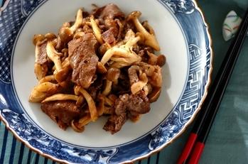 牛肉とシメジの黒コショウ炒め