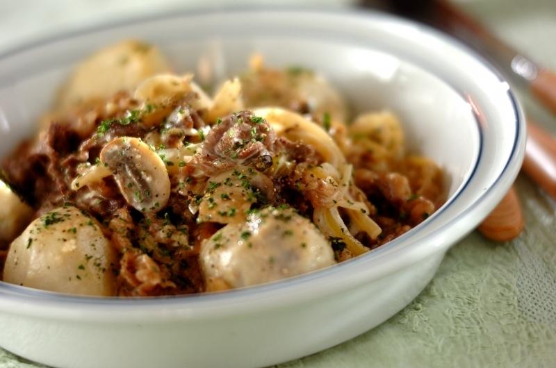 牛肉と里芋とマッシュルームの煮物