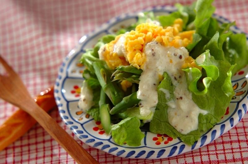 卵の黄色がきれいなミモザサラダ