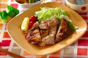 鶏もも肉の塩焼き