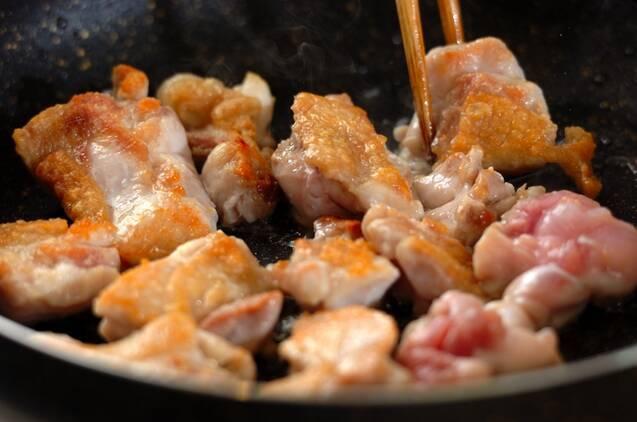 鶏もも肉とオクラの梅煮の作り方の手順4