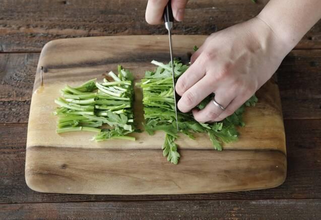 くるみ香るりんごと春菊のサラダの作り方の手順4
