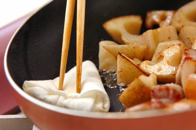 レンコンと豚バラの甘辛煮の作り方の手順2