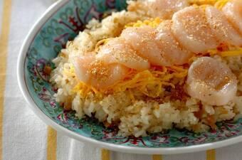 シンプルに。ホタテの中華風ちらし寿司