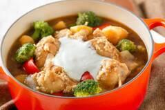 塩麹で柔らか!ヨーグルトカレー鍋