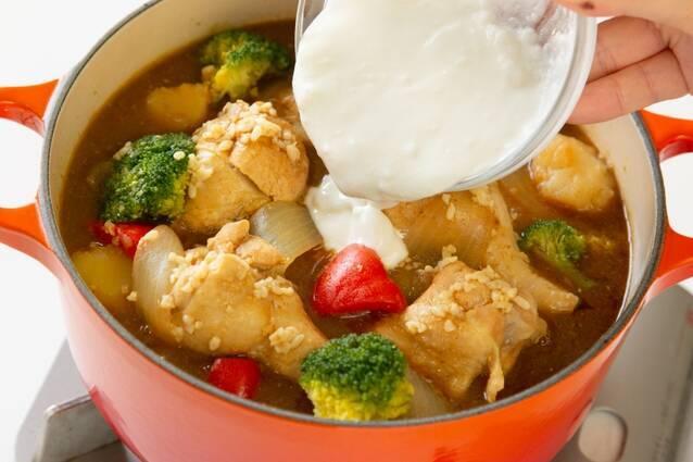 塩麹で柔らか!ヨーグルトカレー鍋の作り方の手順4