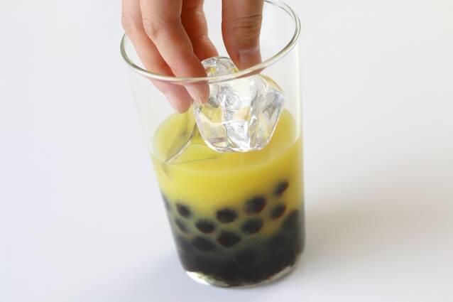タピオカ入りオレンジアイスティーの作り方の手順3