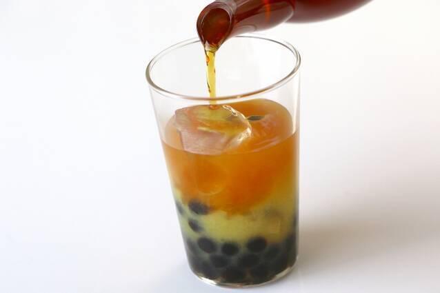 タピオカ入りオレンジアイスティーの作り方の手順4