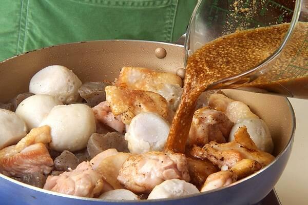 鶏肉と里芋のゴマ風味煮の作り方の手順7