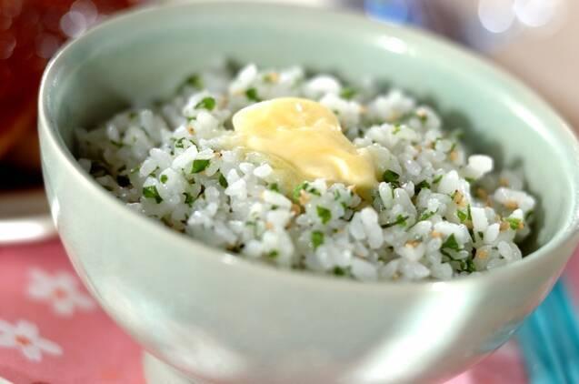セロリの菜飯
