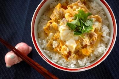 豚玉丼のレシピ・作り方   【E・レシピ】料理のプロが作る簡単レシピ