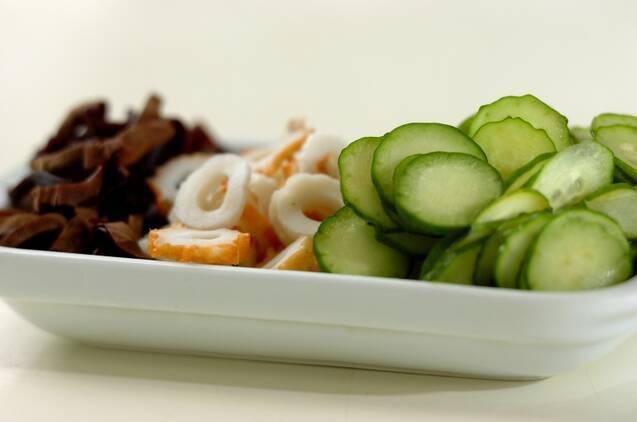 キュウリとキクラゲの中華ゴマ和えの作り方の手順1
