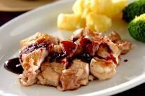 鶏肉のソテー・ブルーベリーソース