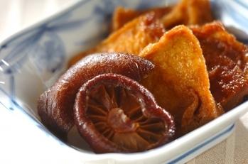 シイタケと油揚げの甘辛煮