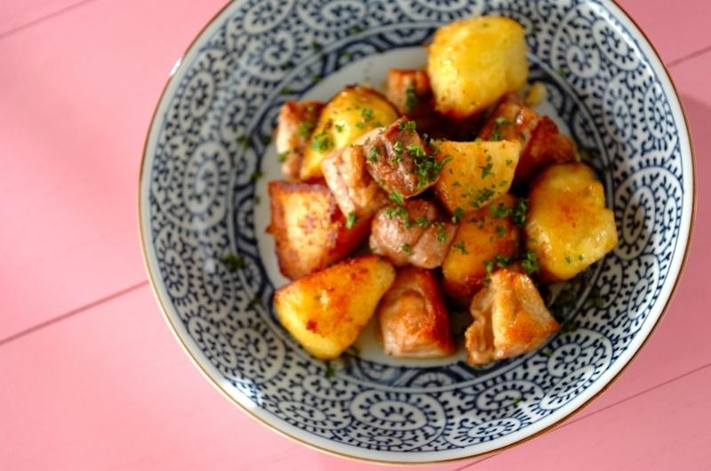 鶏もも肉とジャガイモのバターじょうゆ炒め