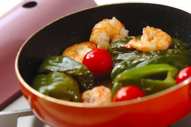 エビとピーマンのオイル煮の作り方の手順4