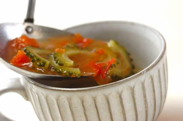 ゴーヤとトマトのスープの作り方の手順3