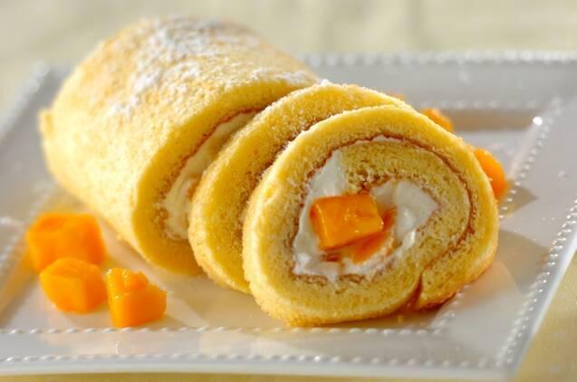 2. マンゴーロールケーキ