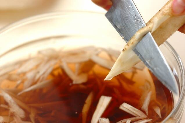 揚げゴボウのきんぴらの作り方の手順1