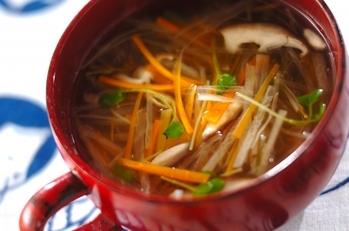 せん切り野菜のすまし汁