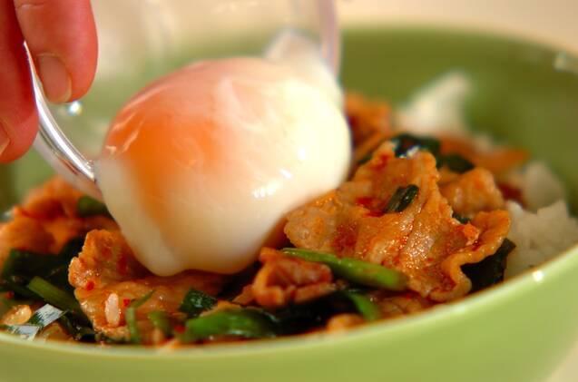 ピリ辛豚ニラ丼の作り方の手順4