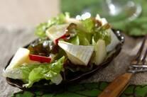 レタスとカマンベールチーズのサラダ