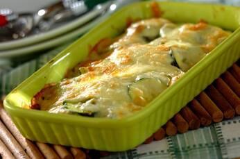 ズッキーニのバジルチーズ焼き