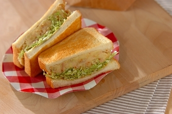 コロッケ風ボリュームサンドイッチ