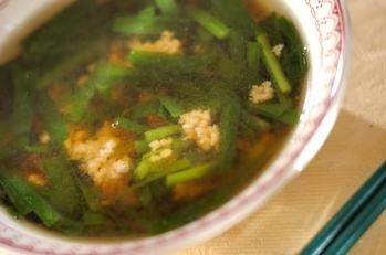 鶏ひき肉とニラのスープ
