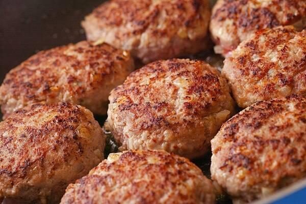 煮込みハンバーグの作り方の手順5