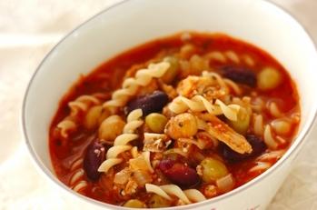 ボリュームも味わいも◎「マカロニスープ」のレシピ【味付け別】15選