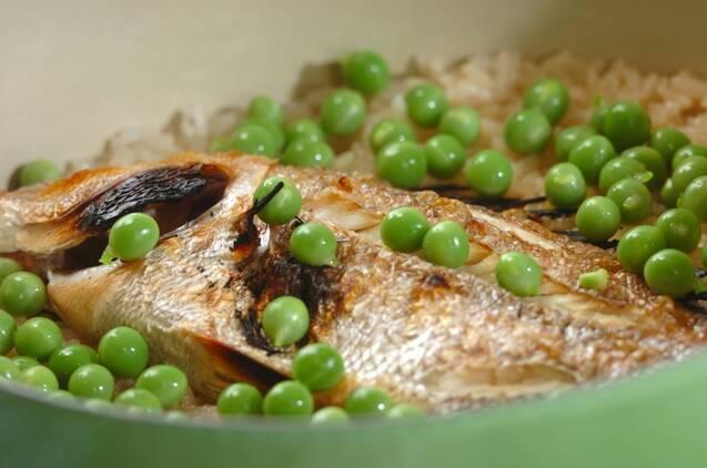 鍋で炊く!ふっくらおいしい鯛飯の作り方の手順4