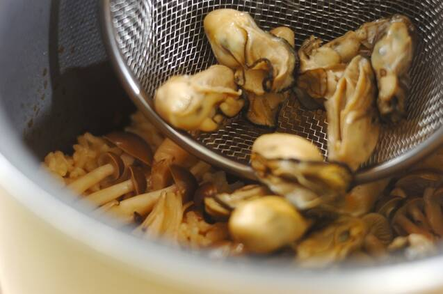 ふっくらおいしいカキご飯の作り方の手順4
