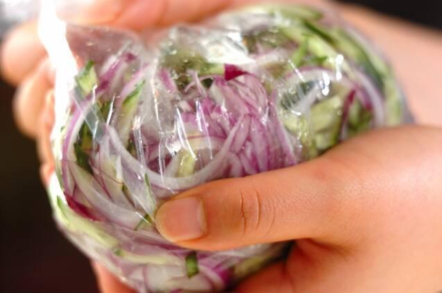 豚ひき肉のエスニックサラダの作り方の手順2