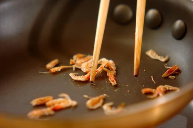 桜エビとブロッコリーの和え物の作り方の手順1