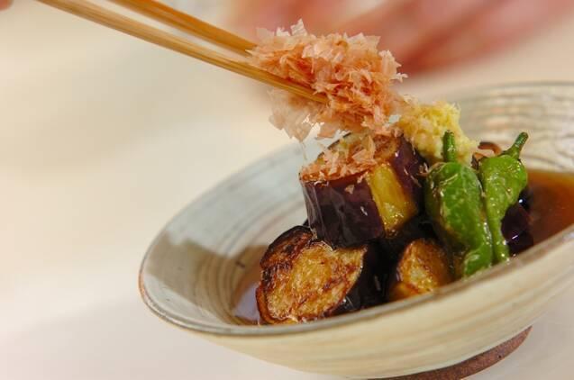 麺つゆで簡単!ナスとシシトウのサッと揚げ浸しの作り方の手順3