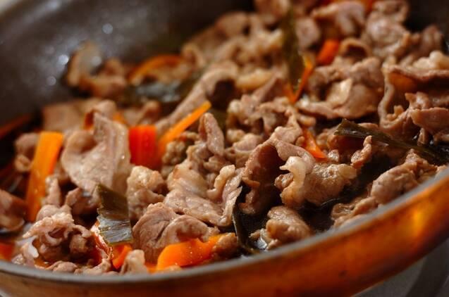 豚肉と昆布の炒め煮の作り方の手順3