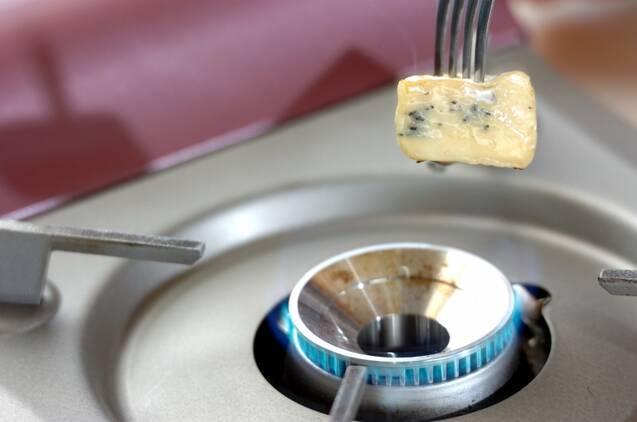 カマンベールのハチミツがけの作り方の手順2