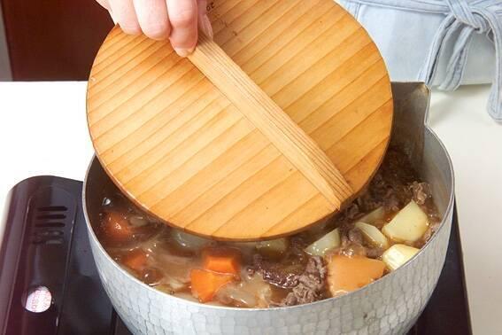 おふくろの味!定番肉じゃがの作り方の手順9