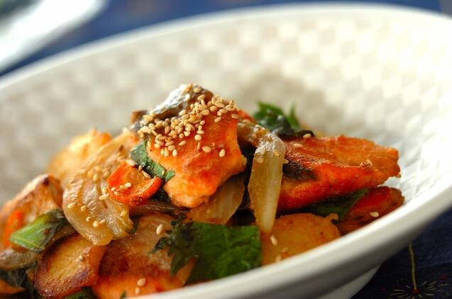 鮭と野菜の味噌炒め