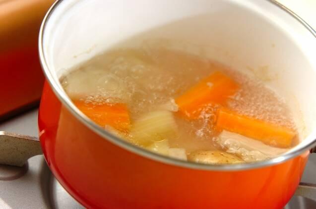 チキンのスープカレーの作り方の手順4
