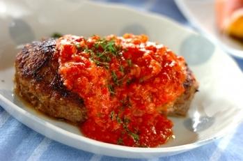 ハンバーグのトマトチーズがけ