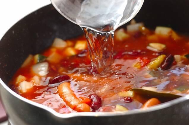 ソーセージと豆のスープの作り方の手順4