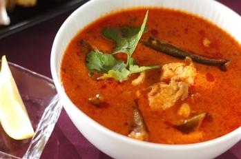 鶏とオクラのトマトスープ