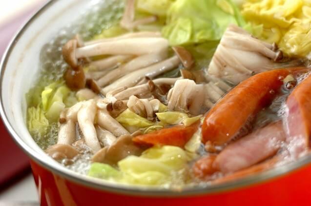 春キャベツとソーセージのホットサラダの作り方の手順2