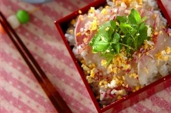 鯛のミモザ風ちらし寿司