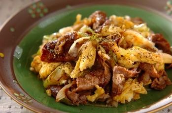牛肉と卵のコショウ炒め