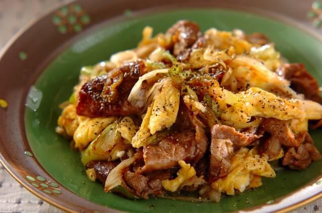 こってり牛肉とふわふわ卵のコショウ炒め