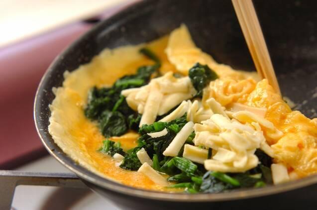 ホウレン草入りチーズオムレツの作り方の手順2