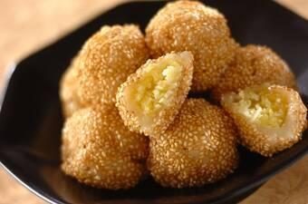 ココナッツ風味のサツマゴマ団子